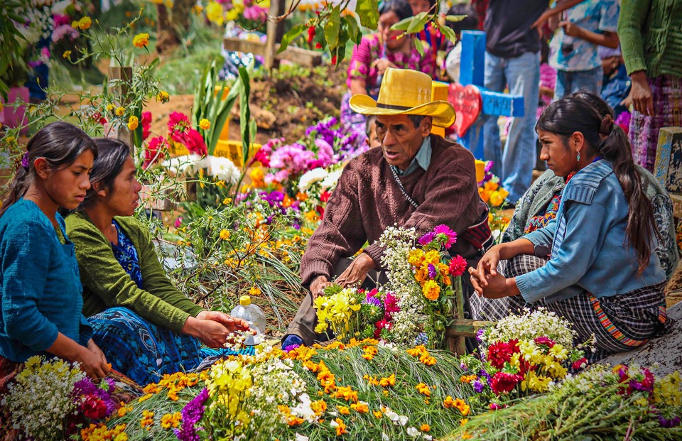 Antigua day trips - Guatemala market days - Solola - private family tours