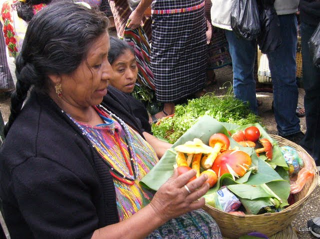 Antigua day trip - Guatemala market days - Solola - private family tours
